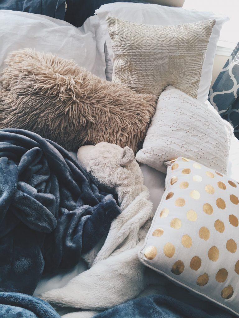 grey, beige, white & polka dot pillows, fluffy, bedding